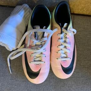 Mercurial fodboldstøvler