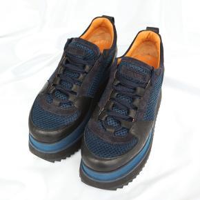 Ganni Naomi sneakers, sample model, der findes kun få i denne farve.  Nypris: 2300  Skoene er aldrig brugt !