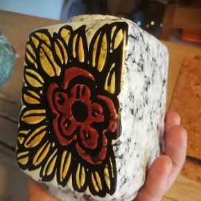 Keramik vase. Ca 12,5 høj