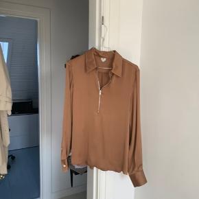 Sælger min stort set ubrugte skjorte fra Arket.  Er åben for bud😊