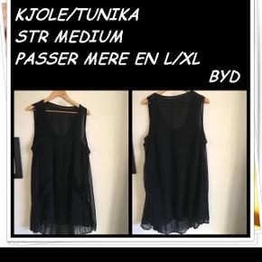 Kjole/tunika str medium passer mere en l/xl byd