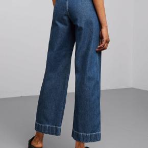 Vida-jeans fra weekday💙 skriv for billeder