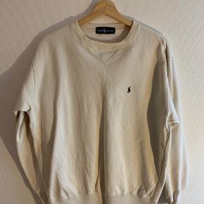 Sweatshirt str. M Har lidt pletter, der ikke går af i vask  Byd