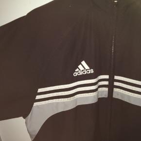 Vintage Adidas sportsjakke, fejler intet. 🔥🔥