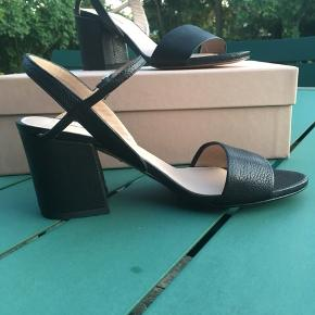 Pura Lopez sandaler
