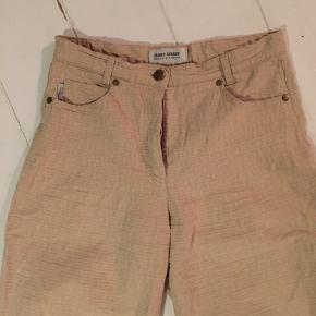 Beige Gerry Weber bukser med g'er som ligner Gucci logo ;)