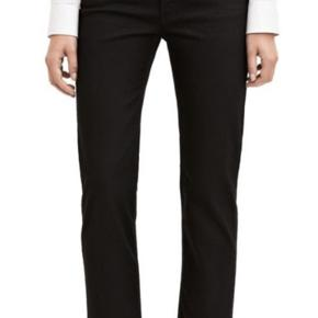 Fede avne row Black jeans, str 25/32, fejler intet   Mp 200 pp