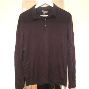 Sælger denne fine bordeaux trøje fra COS. Trøjen er i tynd lækker strik. Mærke med materialet er klippet ud, men jeg mener det er blanding af uld og bomuld.