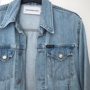 Lækker jakke - fremstår i rigtig pæn stand.