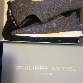 Philippe Model Flats