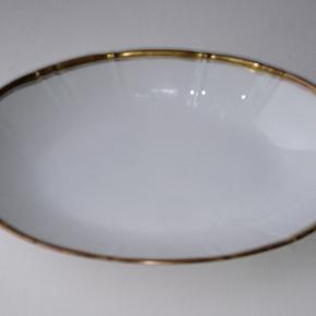 Bing og Grøndahl - Offenbach oval assiet. 23 cm.