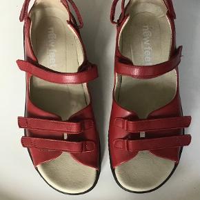 New Feet sandaler