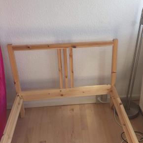 Sengeramme fra Ikea  90x200  Brugt 1 år  Sælges pga flytning  Afhentning: Åboulevarden, Århus C / Ellers fragt udregnes efter PostNords priser