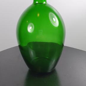 Gammel grøn vase uden skader. Skriv endelig ved spørgsmål 😀