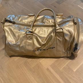 Rigtig sej taske, som sælges da jeg aldrig har fået den brugt.
