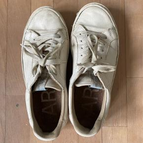 Arket sko