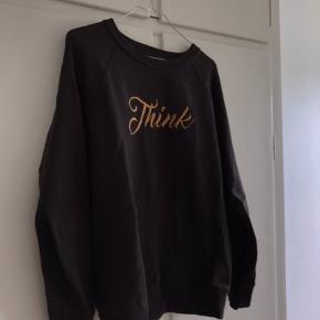 Rigtig fin sweater fra Isabel Marant. Den er over sized