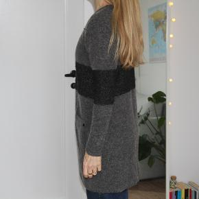 Lang cardigan fra Dranella i mohair-uldblend  #30dayssellout