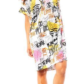 LikeLondon kjole