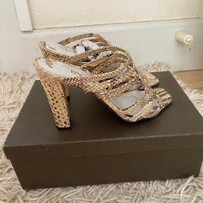 Paco Gil heels