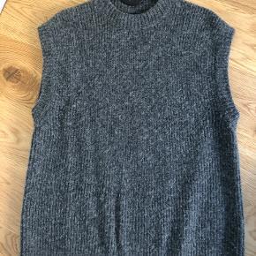 NORR vest
