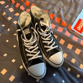 Helt nye converse sko - BYD