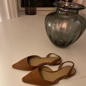 H&M Flats