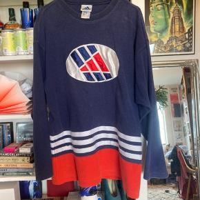 Adidas vintage / retro hoodie sweater.