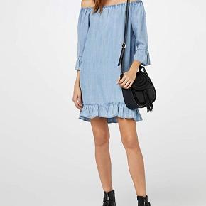 Knæ lang kjole (jeg er 170 cm)