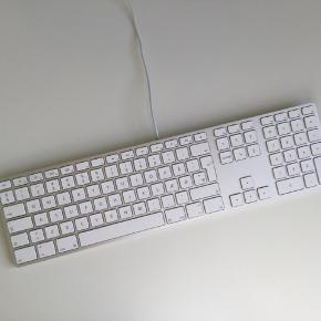 Originalt Apple tastatur  Med numpad og dansk layout  Modelnr.: A1243