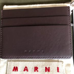 Marni bovine leather Cardholder in chocolate brown. New with the dust cover. Np 1600 Mp 850