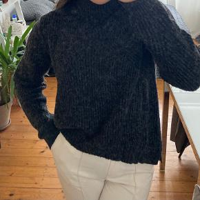 MbyM sweater