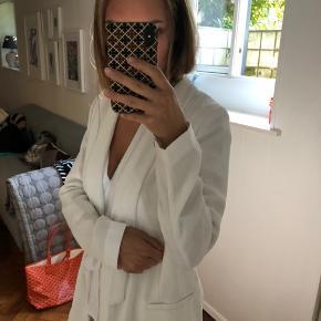 Fineste blazer fra Gina Tricot