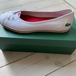 Lacoste sneakers.Helt ny, aldrig brugt.