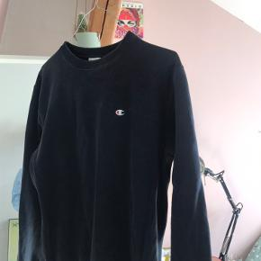 Champion sweater i solidt stof  Fitter en small