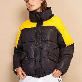 Envii  Enellen Jacket Block str.S  Jakken er meget behageligt og varmt Brugt 2 gang i sidste vinter