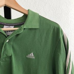 Vintage Adidas trainee T-shirt 💚