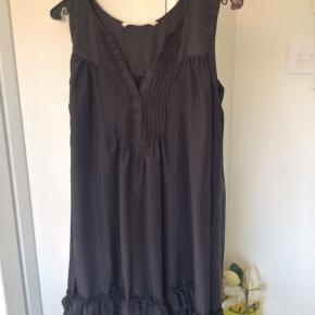 Flot kjole kan bruges hele året, er som ny