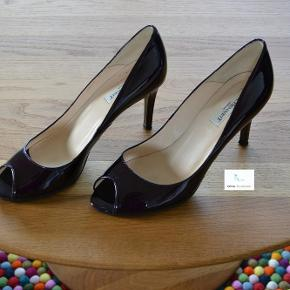 """L.K. Bennett Heels, God, men brugt. Hadbjerg - Hvorfor ikke forkæle dig selv med et par designer sko. Mange fine/dyre mærker sælges til en rigtig god pris. Tag et kig på alle mine fine sko. Der gives gode aftaler ved køb af flere par. På venligt gensyn Tina """"Online Sko Auktion"""". L.K. Bennett Heels, Ha"""