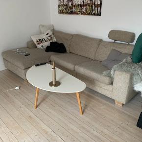 FIN MEN BRUGT SOFA. Søger du en billig sofa, så er det nu du skal slå til ! Hurtig handel, 200,- ! Afhentes i vestbyen inden fredag. Er hjemme hver aften.