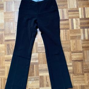 neo noir bukser i str. small  brugt en del gange, men mega nice <3
