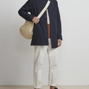 NN07 jakke. Mega lækker jakke, hvor at fore kan afmonteres sådan at den både er ku til efteråret og til vinteren. Den står næsten som ny, brugt sjældent en halv sæson. Skriv pb for mere info.