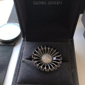 Georg Jensen Daizy Ring. Ny pris 2200, købt i Guldsmed Østergaard Skive.