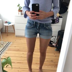 Italienske denim shorts fra Meltin Pot W: 26 Købspris: 699