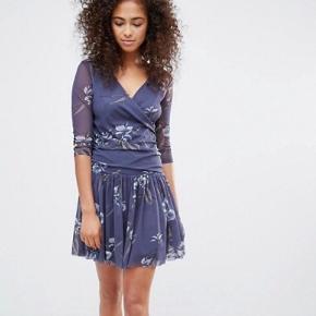 Ganni Etsu mesh kjole. Er for stor til mig.