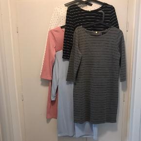 5 kjoler fra Vila Den hvide med lange ærmer, de 4 andre med 3/4 ærmer. Et stk 50kr eller tag alle 5 for 200kr
