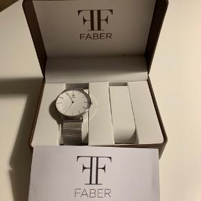 Aldrig brugt inkl kasse Faber-time F817SL str 40 https://faber-time.com/products/f817sl?_pos=100&_sid=bf2b4667e&_ss=r