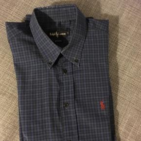 Vintage look Ralph Lauren skjorte  Ternet mørke blå Kom med et bud   Kan købes og afhentes i Lidkøb stand 7 - 03 på Østerbro