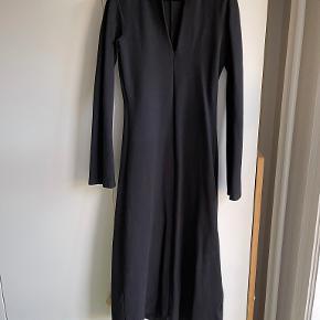 Totême kjole