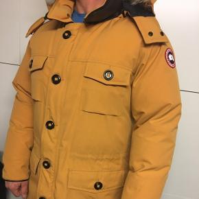 💥Ægte Canada Goose jakke sælges Ingen slitage, meget pæn stand Flot pelskrave💥  Str XL